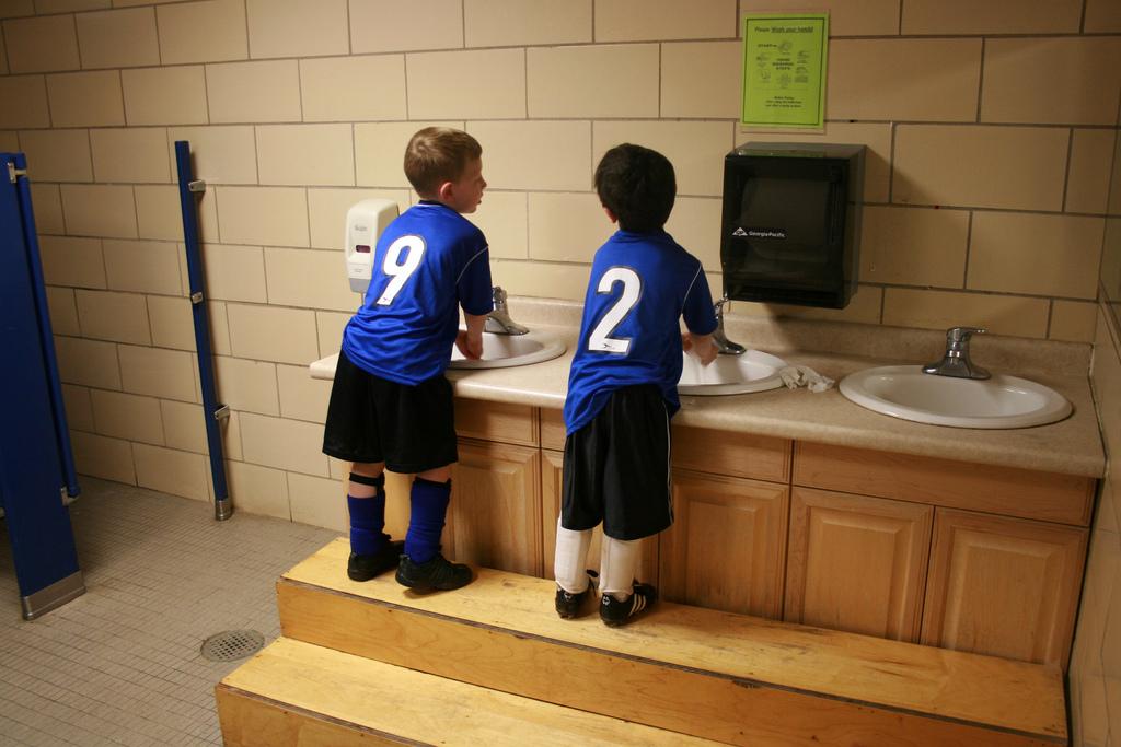 風邪やインフルエンザの予防方法のため、うがい・手洗いが重要である理由