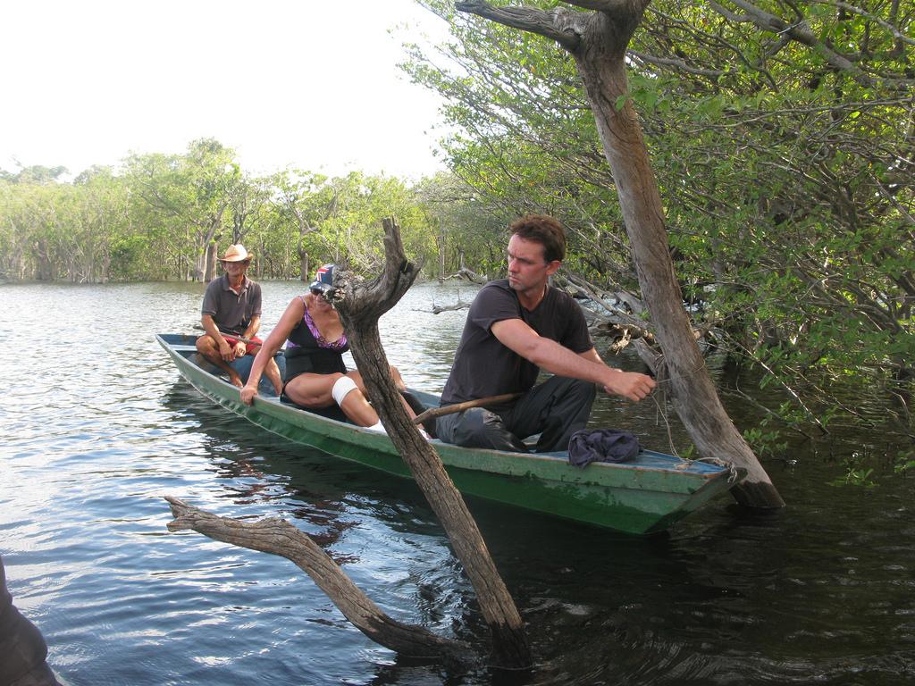 海外赴任者必見!外国の川や湖で泳ぐことで感染する寄生虫