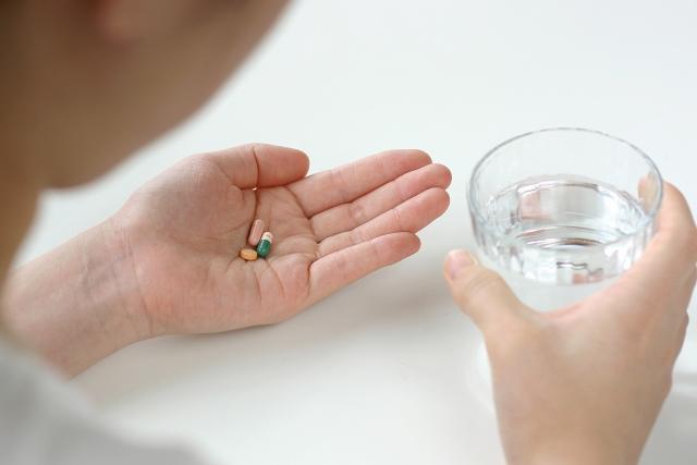 薬剤師が解説! 錠剤が飲めないを解消する4つの方法と服薬のポイント